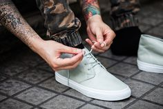 """Vans Classics 2013 Fall """"Aged Leather"""" Pack"""