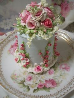 Rose Inspired Tea Cake-oops, you wont be eating this cake! It is for presentation or gift-giving only. Its a fake cake. Gorgeous Cakes, Pretty Cakes, Cute Cakes, Amazing Cakes, Fancy Cakes, Mini Cakes, Cupcake Cakes, Cake Fondant, Sweets Cake
