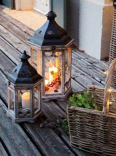 1782 Fotos de Navidad - Pagina 11 Christmas Lanterns, Xmas, Table Lamp, Lighting, Outdoor Decor, House, Home Decor, Rustic Style, Christmas Decor