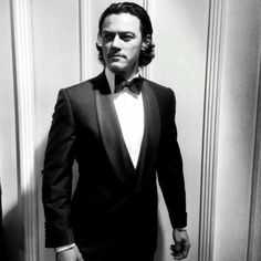 Fuck Yeah Luke Evans : Photo
