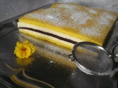 "Hellena ...din bucataria mea...: Prajitura ""Felie de lamaie"" Griddle Pan, Baking, Cakes, Cake Makers, Grill Pan, Bakken, Kuchen, Cake, Pastries"