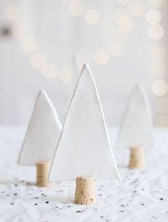 Une décoration si jolie pour la table de Noël par Seventy Nine Ideas.