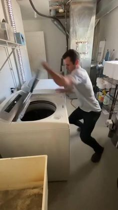 Funny Fun Facts, Funny Vidos, Stupid Funny Memes, Funny Laugh, Hilarious, Funny Videos Clean, Crazy Funny Videos, Funny Videos For Kids, Really Funny Joke