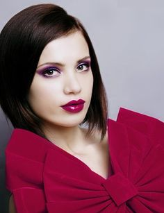 Red colors with dark hair and brown eyes -- beautiful!