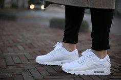 Nike Air Max 90 white sneakers casual chic streetstyle fashionblogger fashionzen blog fashion zen blogger outfit
