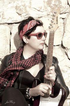 Título: Atardecer / Modelo: Maleni M. / Peluquería: Desi Ruiz / Maquillaje: Rocío Moreno / Fotografía: José Ruiz