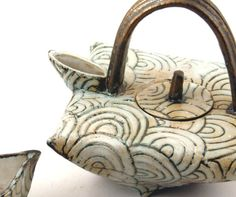 Folded Teapot by Elizabeth Wamsley