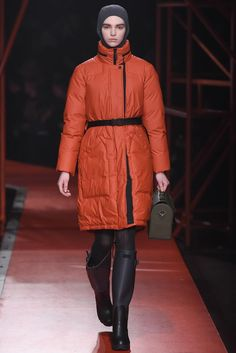 Hunter Original Fall 2015 Ready-to-Wear Collection - Vogue Women's Summer Fashion, Fashion 2020, Fashion Show, Autumn Fashion, Fashion Design, Fashion Trends, Women's Fashion, Masculine Style, Hunter Original