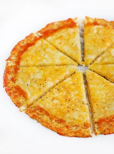Low Carb Cauliflower Pizza - healthy never tasted so good. Now I can have my pizza and stay on my diet!