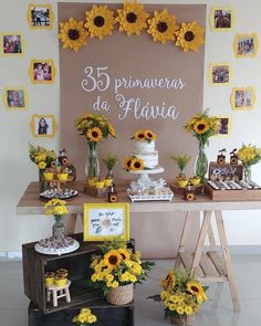 Pegue e Monte - Girassol Dining Room Decor dining room buffet decorating ideas 30th Party, 18th Birthday Party, Mom Birthday, Birthday Party Decorations, Sunflower Birthday Parties, Sunflower Party, Sunflower Baby Showers, Sunflower Wedding Decorations, First Birthdays