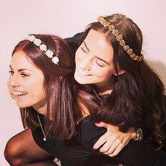 #flowerpowerbyfelicia#flowerpower#flowercrown#flower#bestfriends#girls#happy#smile#gold#white#boho