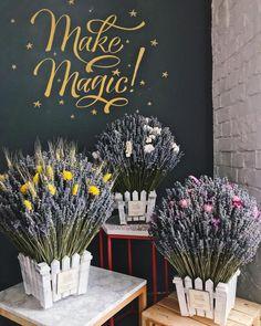 Pretty flowers minus the fence basket Lavender Bouquet, Dried Flower Bouquet, Lavender Flowers, Purple Flowers, Dried Flowers, Lavander, Easter Flowers, Cut Flowers, Beautiful Flowers