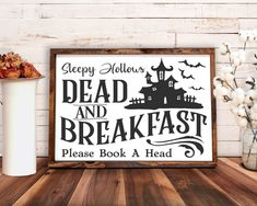 Halloween Games Online, Halloween Film, First Halloween, Happy Halloween Sign, Funny Halloween Quotes, Wooden Halloween Signs, Country Halloween, Halloween Design, Creepy Halloween Decorations