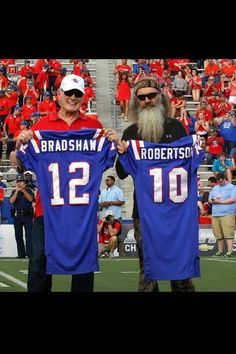 Phil Robertson and Terry Bradshaw back on the football field!