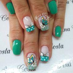 Las uñas decoradas en verde nunca han estado tan de moda las tendencias traen Butterfly Nail Designs, Butterfly Nail Art, Gel Nail Art Designs, Ombre Nail Designs, Colorful Nail Designs, Get Nails, Hair And Nails, Girls Nails, Summer Acrylic Nails