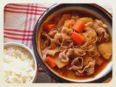 香濃又綿密的馬鈴薯燉肉配上一碗香噴噴的白米飯,就是簡單的幸福^_^