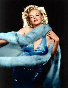 Blue dress Marilyn Monroe