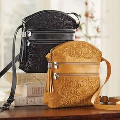 Leather Purses, Leather Handbags, Leather Bags, Leather Bag Pattern, Leather Repair, Floral Bags, Purses And Handbags, Bag Making, Fashion Bags