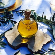 At MIQUEL'S we make fresh mediterranean olive oil to share with our family & friends. Join us in supporting the creation of authentic Mediterranean crafts Amazing Vegetarian Recipes, All Friends, Friends Family, Thing 1, Love Is Free, Dream Decor, First They Came, Healthy Choices, Yummy Treats