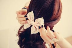 Ahh<3 such a cute hairstyle with a bow!