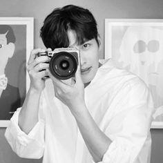 Ji Chang Wook Smile, Ji Chang Wook Healer, Ji Chan Wook, All Korean Drama, Korean Drama Quotes, Asian Actors, Korean Actors, Suspicious Partner Kdrama, Ji Chang Wook Photoshoot