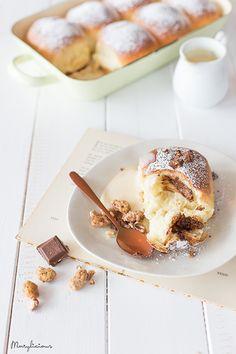 Warme Buchteln mit weichem Schokoladenkern, Marylicious, Foodstyling, Foodfotografie
