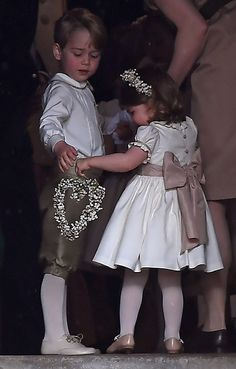 Princess Charlotte and Prince George from Pippa Middleton and James Matthews' Wedding Kate Middleton and Prince William's kids join the bridal party. William Y Kate, Prince William And Catherine, Prince Harry And Meghan, Pippa Middleton Boda, Middleton Family, Pippas Wedding, Wedding Of The Year, Wedding Dresses, Wedding Season