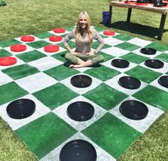 Best DIY Backyard Games - DIY Lawn Checkers - Cool DIY Yard Game Ideas for Adults, Teens and Kids - Easy Tutorials for Cornhole, Washers, Jenga, Tic Tac Toe and Horseshoes - Cool Projects for Outdoor Parties and Summer Family Fun Outside diyjoy.com/...