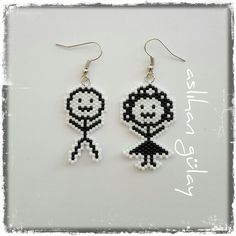 Cin Ali'nin Gelini..beaded earrings with miyuki sead beads..black and white..brick stitch tecnique