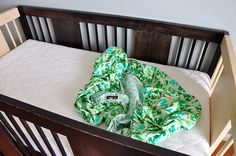 Sir Bubbadoo: Tutorial: How to Make a Crib Mattress Sheet (Toddler Bed Sheet)