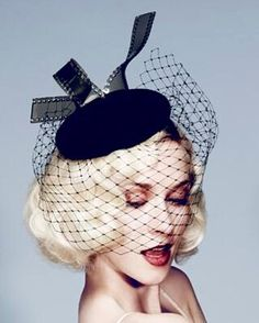 Charlotte Olympia collaborates with British milliner, Piers Atkinson Cheltenham Festival Furlong Fashion Fashion at the races Fascinator, Gold Fashion, Fashion Fashion, Run For The Roses, Fancy Hats, Wearing A Hat, Hat Shop, Love Hat, Charlotte Olympia