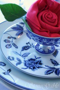 Fold a Fancy Napkin DIY: rose folded napkins