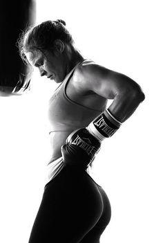 Ronda Rousey curvy ass in tights Poses, Ronda Jean Rousey, Ronda Rousey Hot, Jiu Jitsu, Belle Nana, Rowdy Ronda, Ufc Fighters, Beautiful Athletes, Martial Arts Women