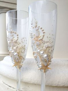 Starfish wedding champagne glasses, beach wedding toasting flutes in ivory, destination wedding reception by PureBeautyArt on Etsy