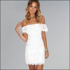 54eef523b142a Faites ressortir votre bronzage avec cette robe courte d été en dentelle,  avec les