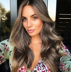 HAIR LOVE ♡ When you can't decide between brunette or blonde... you go bronde ♀️ New colour, thanks to the best of the best…
