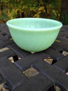 "RARE Vintage Fire King Anchor Hocking Jadite/Jadeite green 5"" swirl mixing bowl"
