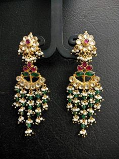 Fulfill a Wedding Tradition with Estate Bridal Jewelry Indian Jewelry Earrings, Gold Jhumka Earrings, Jewelry Design Earrings, Gold Earrings Designs, Silver Jewellery Indian, Gold Jewellery Design, Bridal Jewelry, Silver Jewelry, Silver Ring