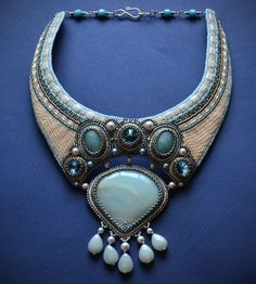 Bordado de cuentas de collar de cuentas azul bordada por suzidesign