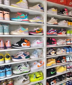 See more of vibeypics's content on VSCO. Cute Nike Shoes, Cute Nikes, Nike Air Shoes, Sneakers Nike, Jordan Shoes Girls, Girls Shoes, Souliers Nike, Nike Air Jordan, Shoe Room