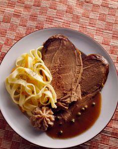 Chevreuil sauce grand veneur Sauce Grand Veneur, Filet Mignon Sauce, Venison, Beef, Pesto, Lamb, Pork, Recipes, Foie Gras
