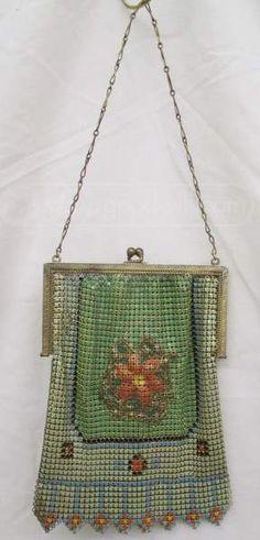shopgoodwill.com: 012 - Antique Whiting And Davis Mesh Purse