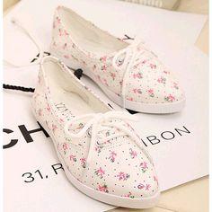 women flat canvas shoes 2013 summer flat women's flower shoes is woman flats,free shipping $7.50 - 11.50