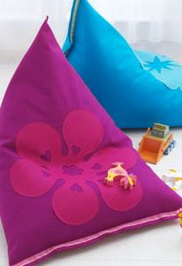 ideas sewing crafts for kids bean bags Diy Sewing Projects, Sewing Crafts, Bean Bag Pattern, Home Crafts, Crafts For Kids, Diy Bean Bag, Patchwork Chair, Kids Bean Bags, Patterned Chair