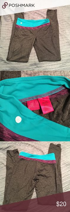Jill yoga leggings Worn and washed once. Like new condition! Super comfy and moisture wicking. Jill Yoga Pants Leggings