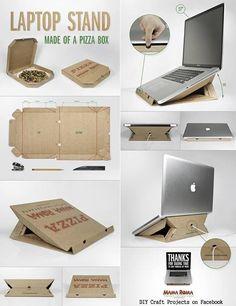 Support pour laptop en carton de boîte à pizza. Super ingénieux, il fallait y penser !