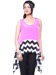 Pink Chevron Flare Top  #WomensFashion #Tops #Clothing Flare Top, Pink Ladies, Black And White Tops, Pink Black, Tunic Tops, Ripped Denim, Denim Shorts, Western Wear, Shirts