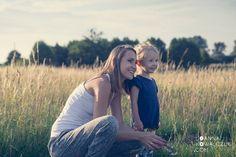 PARENTING & LIFESTYLE & FASHION Blond, Parenting, Lifestyle, Couple Photos, Couples, Fashion, Couple Shots, Moda, Couple Pics