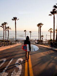 Und wenn ich das alles nicht kann,dann einfach mit nem Surfbrett spazieren gehen