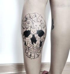 Skull tattoo by Leo Dionizio Tattoo